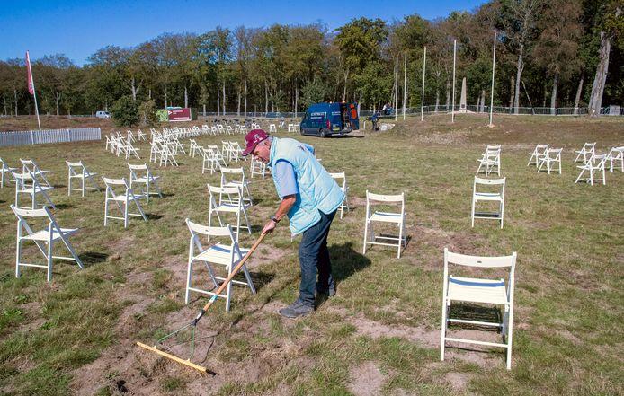 Voorbereiding op de Airborne Herdenking op de Ginkelse Heide.