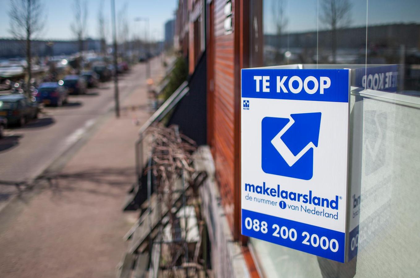 Ook de woningmarkt in De Langstraat dreigt in een vicieuze cirkel te raken: stijgende prijzen en een dalend aanbod.