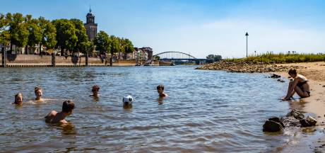 Gemist? Verkoeling in rivierwater kan dramatisch aflopen en fietser overlijdt na onwelwording