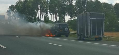 Autobrand zorgt voor file op A28 bij Nieuwleusen