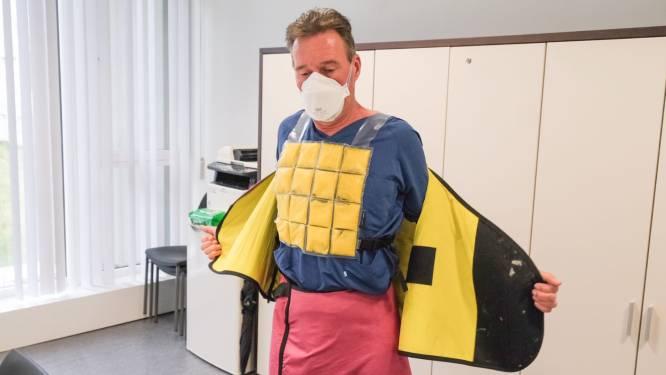 Koelvesten beschermen Covid-19 zorgpersoneel tegen hittestress in AZ Groeninge