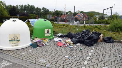 Hier gaan we weer: opnieuw hele hoop afval gedumpt aan Pleinstraat