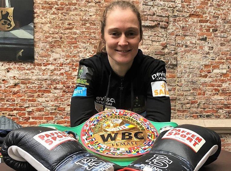Delfine Persoon op de voorstelling van het boksgala, maandagmiddag in de Beatrijszaal van het stadhuis.