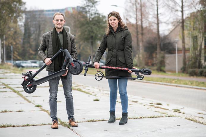 Danny Vermeulen en zijn vriendin Milou Croes op de step.
