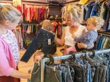 Actie winkelketen Bomont: Help de Sint aan kleding voor een ander kind