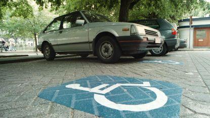 Inbreuken parkeerplaatsen personen met een handicap dalen