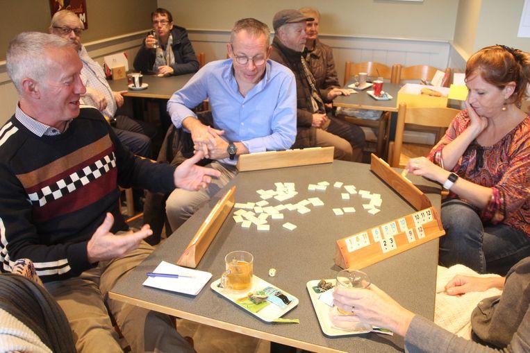 In Café De Klok in Erondegem werd 25 uur onafgebroken gespeeld om geld in te zamelen voor het onderzoek naar speekselklierkanker.