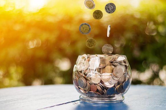 Meer dan 3 miljoen Belgen doet aan pensioensparen. 1,6 miljoen van hen kiest ervoor om dit te doen via een pensioenspaarverzekering.