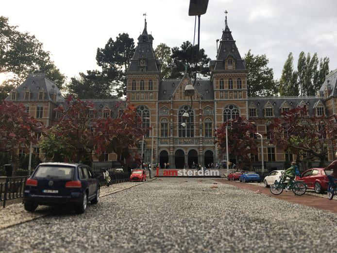 De I Amsterdam-letters achter het Rijksmuseum.