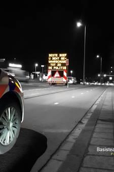 'Boeven' rijden tegen de lamp in Hoogvliet