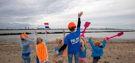Palingfans zwaaien bedreigde vis uit bij Hoek van Holland: 'Hij verdient even veel aandacht als de panda'