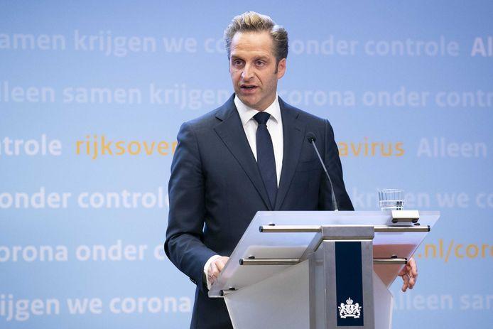 Minister Hugo de Jonge (Volksgezondheid, Welzijn en Sport) tijdens een persconferentie over de huidige stand van zaken omtrent het coronavirus in Nederland.