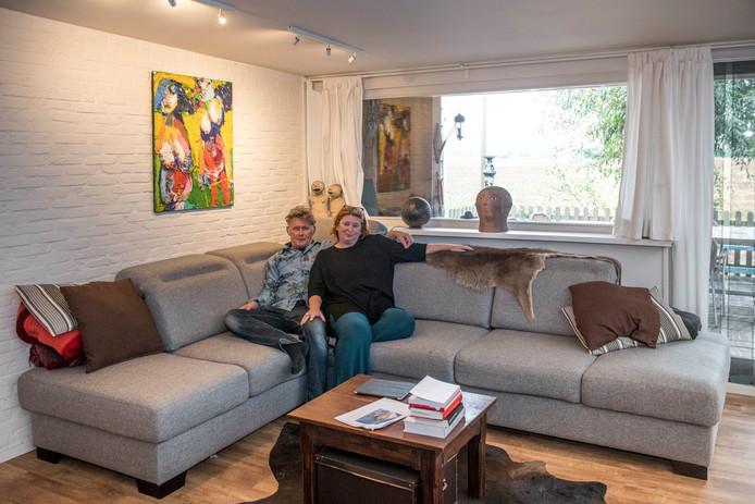 Gait Klein Kromhof en  Kristin Van Nuffel wonen in Patrijzenhoek, een gehucht bij Hulst. 'Mensen nemen hier nog de tijd voor elkaar en het leven.'
