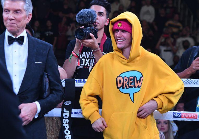 Justin Bieber kwam Logan Paul aanmoedigen.