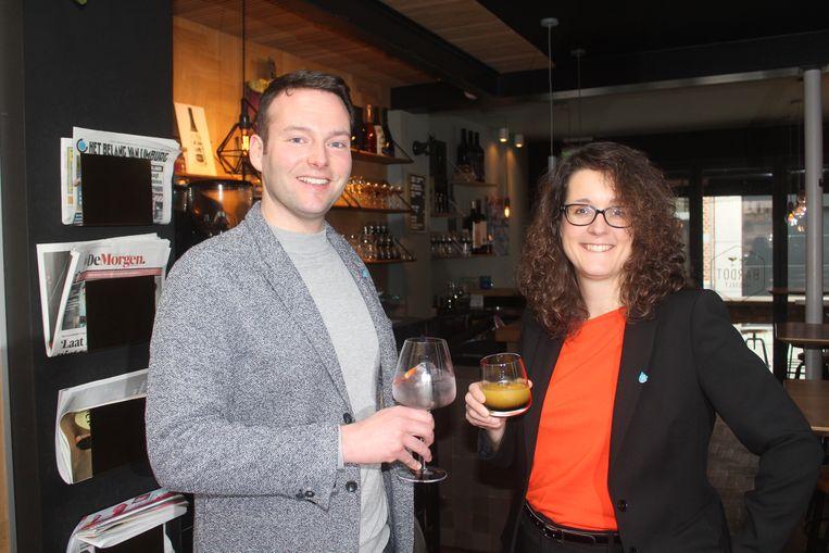 Schepenen Rik Dehollogne en Lies Jans (beiden N-VA) klinken op een alcoholvrije maand.