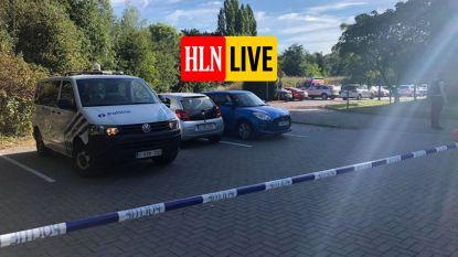 Man dient zijn ex-vrouw meerdere messteken toe op parking woonzorgcentrum in Aalst: slachtoffer vecht voor haar leven