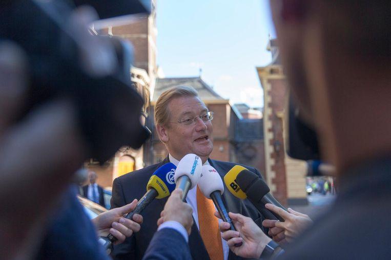 Minister van Veiligheid en Justitie Ard van der Steur bij aankomst op het Binnenhof Beeld ANP