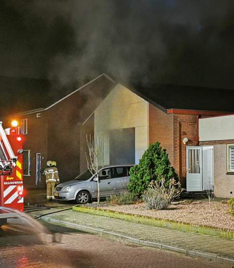 Veel rookontwikkeling bij brand in loods Didam