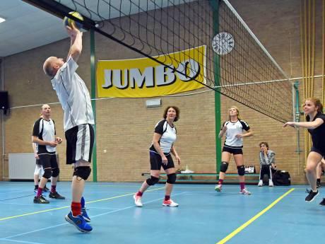 Volleybalmarathon in Nieuw-Namen: spelers halen ruim 1000 euro op
