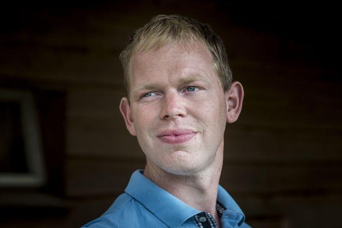 Boer Willem, die een grote liefde voor weidevogels heeft, is weer vrijgezel.