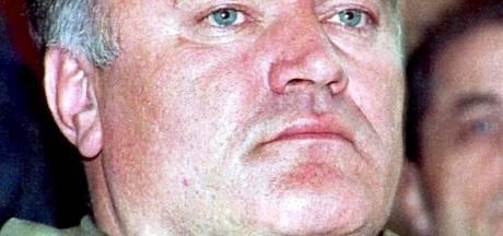 'Kusjes van pappa Ratko': Mladic belt stiekem met Servische tv-show