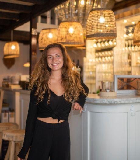 """""""Ook spaghetti bolognese op basis van linzen is écht lekker"""": Luna (22) opent veganistisch-Italiaans restaurant"""