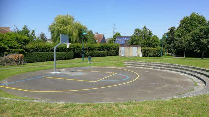 Gemeente maakt basketterreintjes weer speelklaar