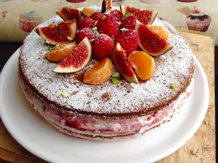 De Victoria Sponge Cake van Koffie ende Koeck, met jam en plantaardige slagroom. Beeld Maartje Borst