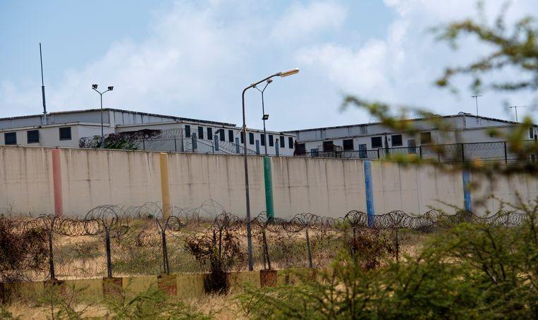 In barakken op het terrein van de SDKK-gevangenis worden Venezolanen zonder geldig identiteitsbewijs vastgehouden voor ze worden teruggestuurd naar Venezuela. Beeld ANP