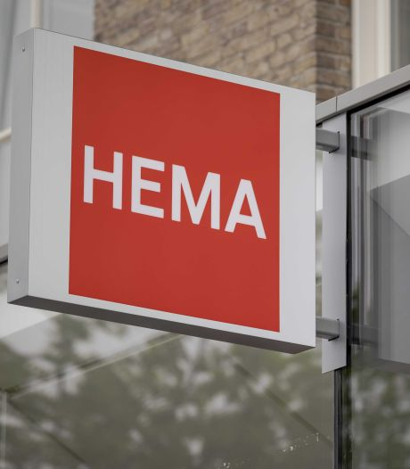 Nieuwsoverzicht   29 Marechaussees van Eindhoven Airport in quarantaine - Plafond bij Hema stort in