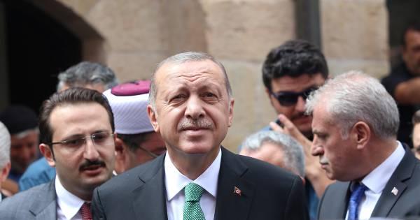 Turkse overheid zet scholen op in Nederland