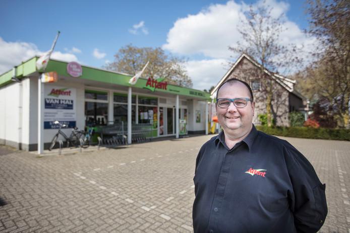 Harrie van de Mortel stopt met zijn supermarkt in Neerkant