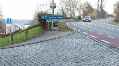 Wie maakt Edelareberg (N8) in Oudenaarde veiliger? En hoe?