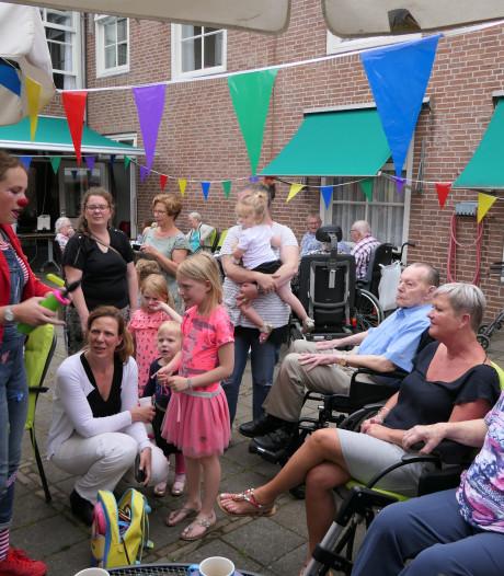 Ontmoeting ouderen en kinderen Zorgcentrum St. Antonius in Heusden geslaagd