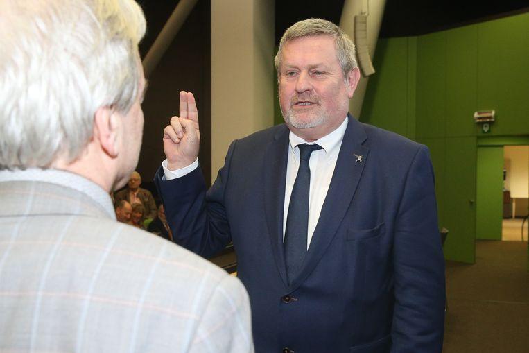 Herman Vijt legt zijn eed als burgemeester af.