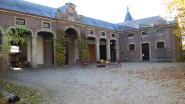 """Koetshuis kasteel Poeke: """"Geen huur vragen zolang de toestand zo slecht is"""""""