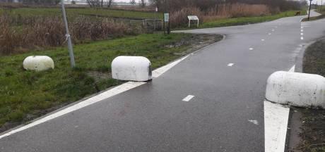 CDA Hardinxveld pleit voor weghalen van 'biggenruggen' op Rivierdijk
