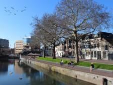 Dordrecht schrapt mogelijk minder parkeerplekken op de Vest na onvrede La Venezia