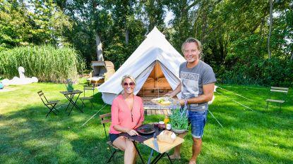"""Chris Van Tongelen opent camping in eigen tuin: """"Zingen zal ik er normaal niet doen, al weet je maar nooit"""""""