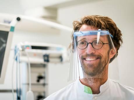 Milieubewust in coronatijd: spatmaskers van hergebruikt plastic