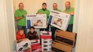 Oudercomité schenkt waardevolle spullen aan kleuterklassen