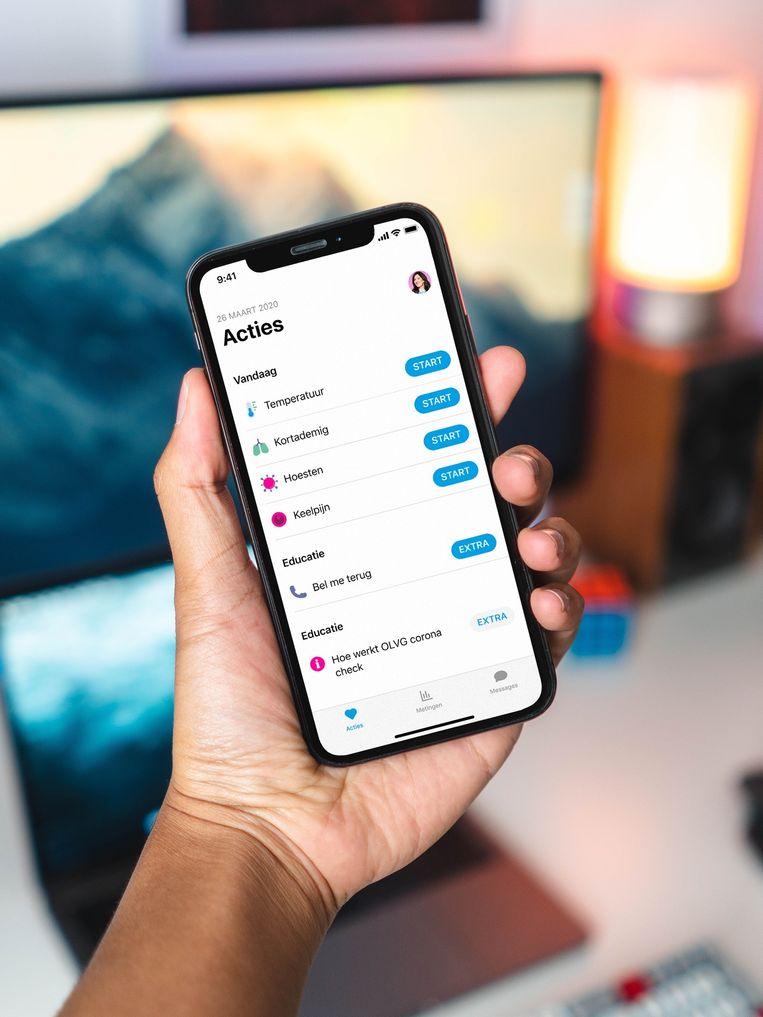 Gebruikers van de app kunnen hun gezondheidsgegevens in de app invoeren. Op basis van de symptomen volgt dan hoe waarschijnlijk het is dat iemand corona heeft.  Beeld OLVG Amsterdam
