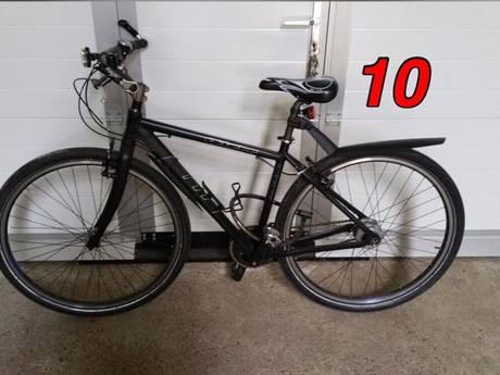 Politie vindt tien gestolen fietsen terug in kelderbox in Emmerik