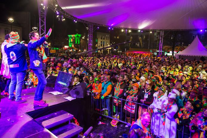 Tilburg; Kruikenkoor ;Heuvel ; carnaval; feest; zingen ;