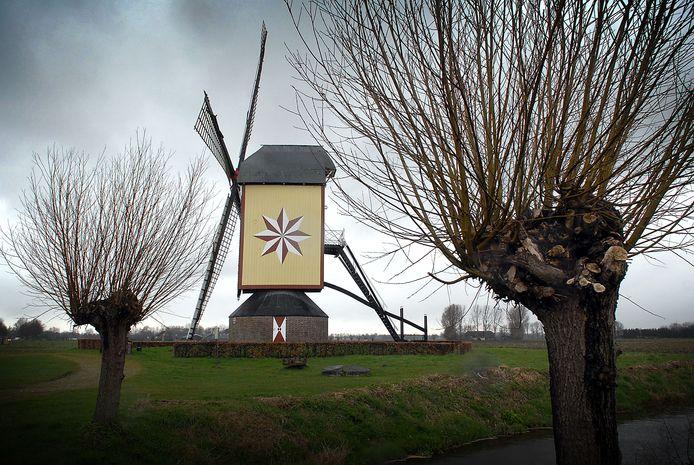 Archieffoto van de molen van Wanroij.