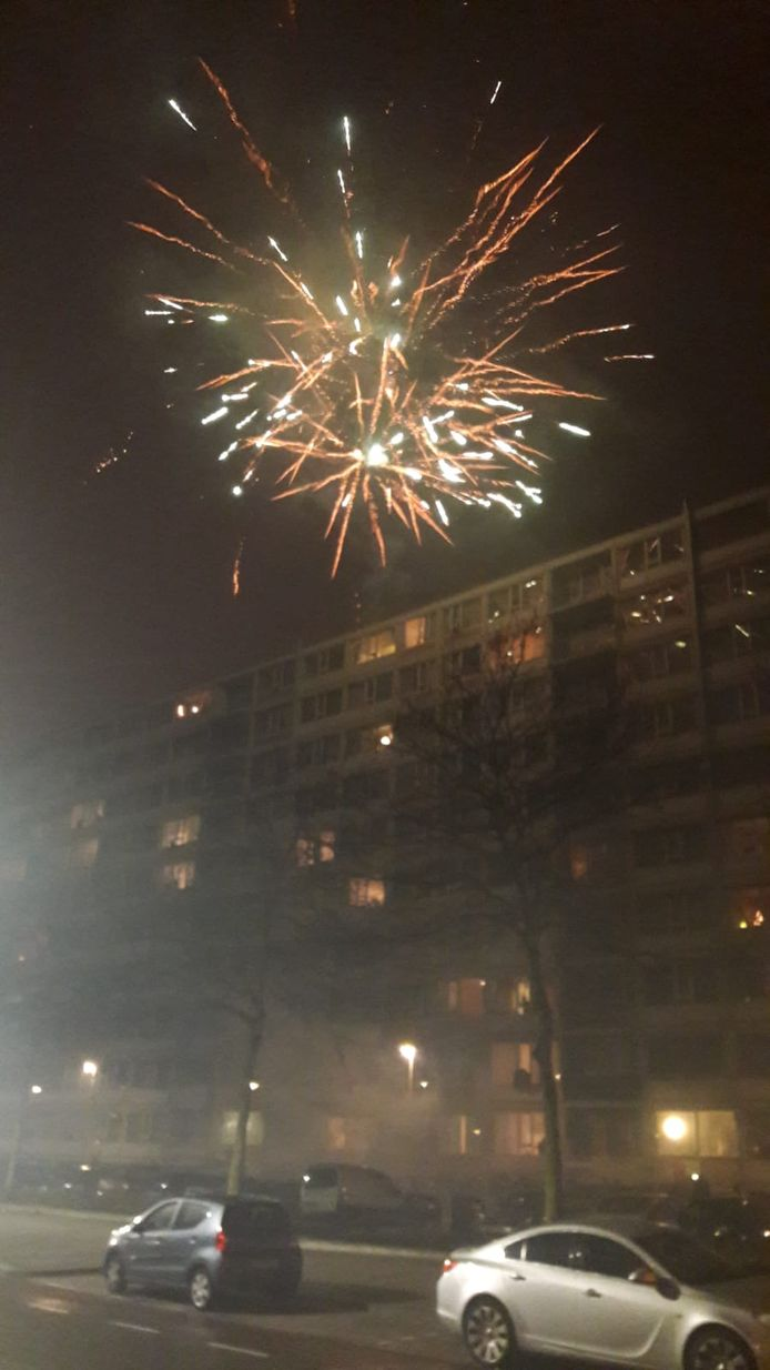 Vuurwerk boven Kanaleneiland in Utrecht.
