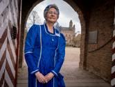 Riet Berends uit Gendt maakt ook jurken voor nieuwe gidsen
