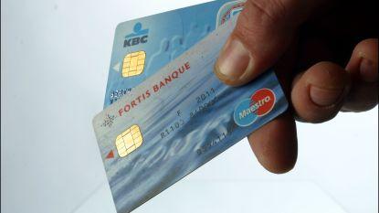 Truienaar gebruikt bankkaart van ex-vriend en collega