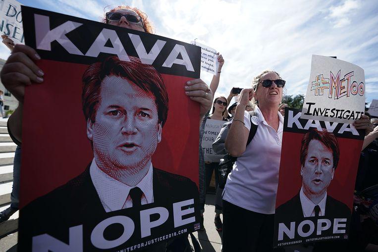 Buiten het Hooggerechtshof in Washington werd afgelopen week gedemonstreerd tegen de kandidatuur van Brett Kavanaugh als lid van de hoogste rechtbank in Amerika.  Beeld Getty Images