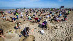 396 zandschildpadden: Middelkerke verpulvert wereldrecord simultaan zandsculpturen maken